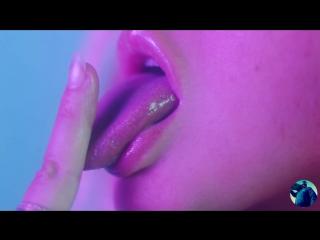Christina Aguilera and Dolla Sign - Accelerate