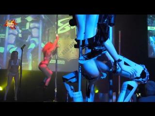 Роботы-стриптизёрши развлекают гостей в Лас-Вегасе