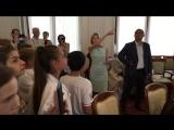 Наталья Поклонская провела экскурсию для школьников по Ливадийскому дворцу