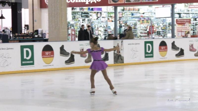 Бобова Элина Новичок 3 2 год обучения ШФК Олимпийские надежды
