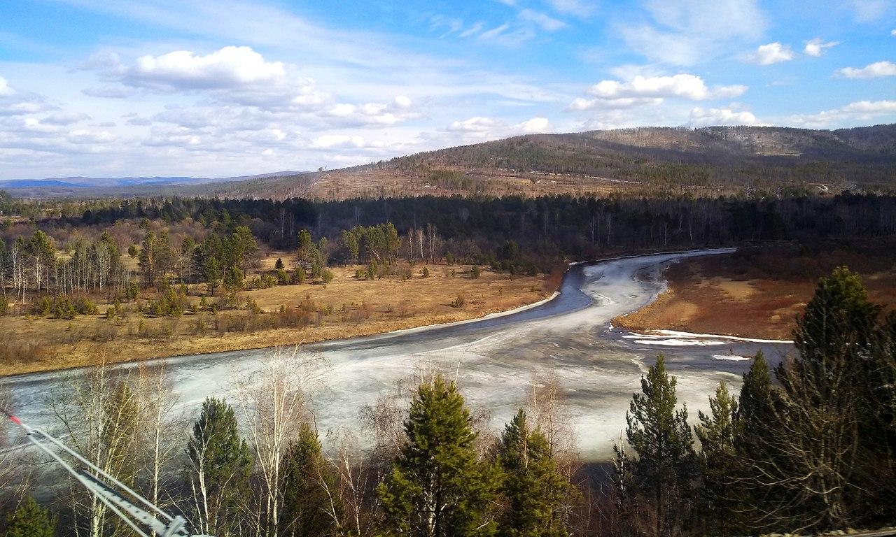 Река Хилок в начале апреля