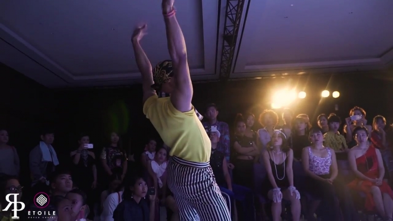 MadFox (AUS) vs Mickey (PH) _ Top8 _ AAWF 2018 Grand Finals Bali, Indonesia by Etoile Dance