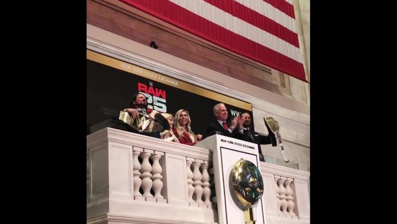 «Звон в колокол» в Нью - Йорке.