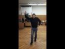 сольный танец самца