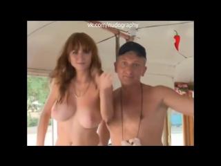 Лидия Красноружева топлес - Голые и смешные. Скандал в трамвае