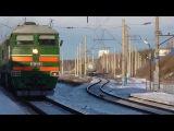 Электровоз ВЛ80с-2452 Тепловоз 2ТЭ116-1045 с грузовым поездом