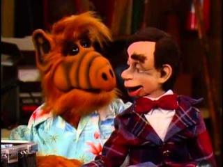 Сериал Альф (ALF) - Сезон 2 серия 23. «I'm Your Puppet» (Я — твоя кукла)
