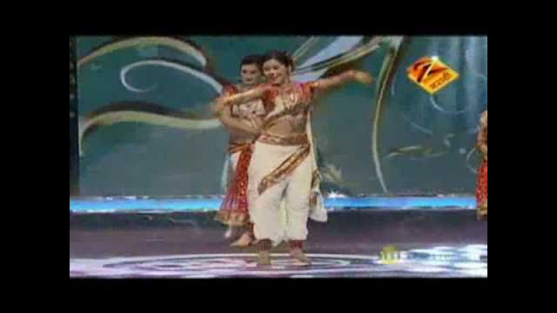 Eka Peksha Ek Apsara Aali Grand Finale May 01 '11 Mrinmayee Girija Neha Urmila