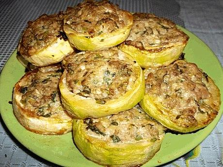 Рецепт кабачков в духовке с фаршем кружочками