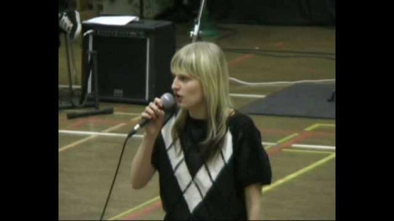 Pikkuveli - Noitalinna Huraa (cover by Annika Myllyoja)