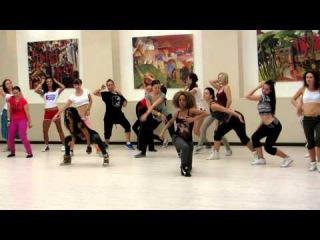 С недавнего тимбафеста в Москве. Приятно, что знаменитые танцовщицы танцуют под такую музыку. Почему приятно, потому, что всех, кто танцует реггетон, не могут не тронуть, реп и хип-хоп культура в целом. Известная композиция с участием Снуп Дога. Остальные