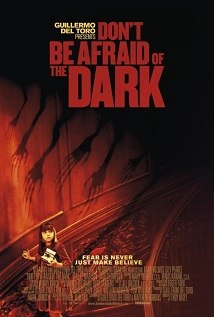 No tengas miedo a la oscuridad<br><span class='font12 dBlock'><i>(Don&#39;t Be Afraid of the Dark)</i></span>