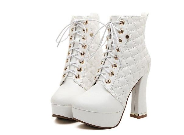 Стильные Ботильоны для вас. Отличный дизайн и просто стиль этой обуви не оставят...