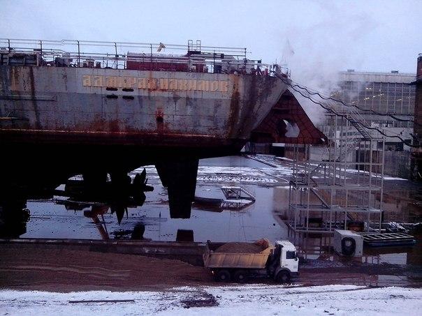 """الطراد الصاروخي الثقيل """"الأدميرال ناخيموف"""" يعود إلى الخدمة - صفحة 2 ZRgpszqAOOU"""