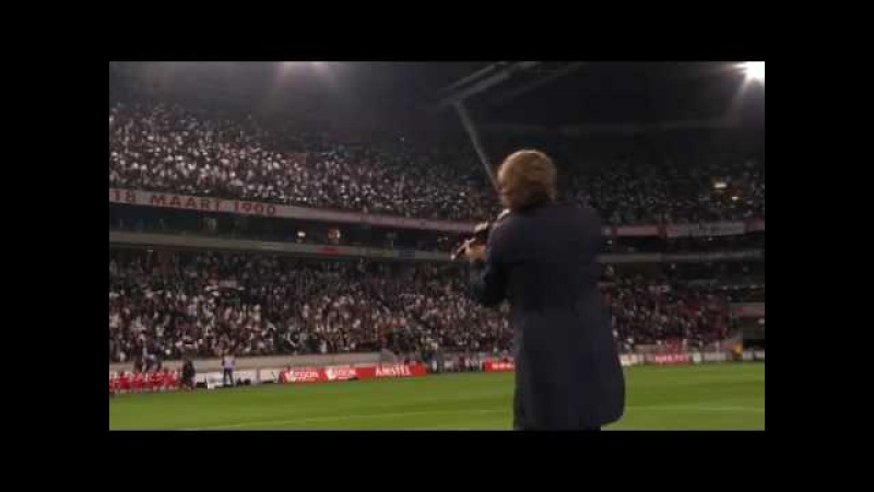 André Rieu playing before the Ajax Olympic Marseille game