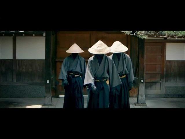 Strawhatz Kimono