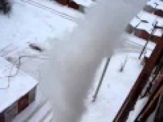Ведро кипятка с балкона на морозе превратились в пар