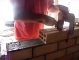 Техника ровной кладки кирпича. Инструмент для кладки.