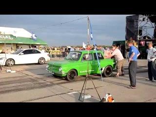 ZAZ 968 vs Mercedes Запорожец ЗАЗ 968 натягивает Мерседес