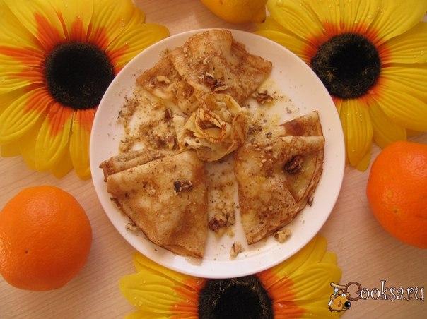 Кукурузные блины с ананасовой начинкой Предлагаю рецепт блинов из кукурузной муки с ананасовой начинкой, необычные, с привкусом кукурузы и ананаса. Такие блины чуть-чуть сложнее пекутся, т.к там в составе кукурузная мука, но с антипригарной сковородой - раз -два и готово!. Очень вкусные! Сытные!.