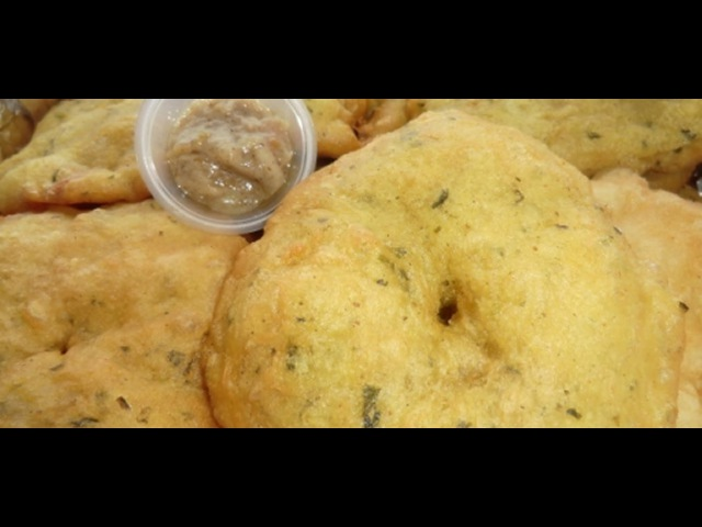 Surinamese Bara filled with Chicken Masala Surinam Food