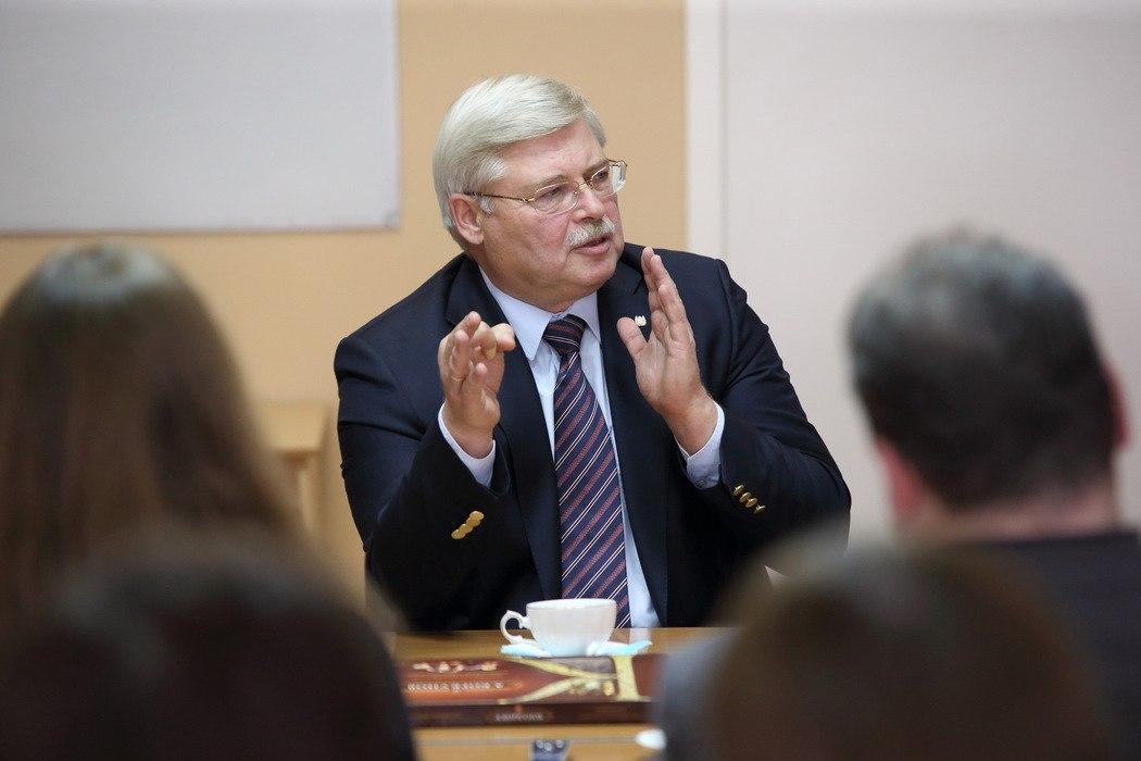 Сергей Жвачкин выделил на ремонт школы в Молчаново 13 миллионов рублей