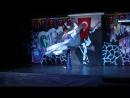 парень танцует восточный танец