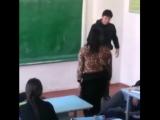 Девушка избивает гопника казакша прикол 2015)(Girl beats robbers kazaksha funny 2015 )
