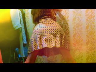 18+ dress booty dance 🔞🔞🔞 крутит попкой тверк в сексуальном платье твёрк короткая юбка футбол чемпионат фильм марсианин 2015