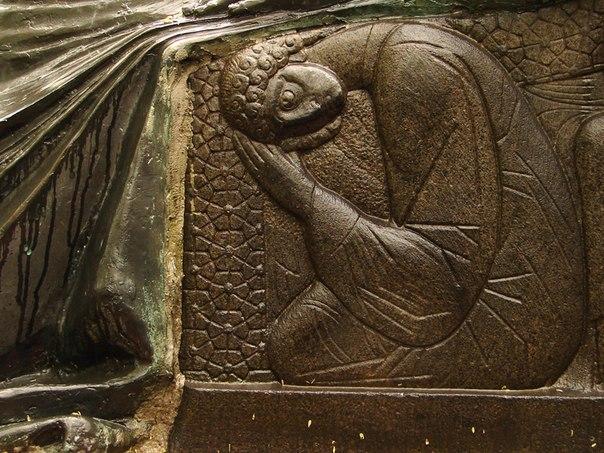 Великолепное надгробие Мемориальный комплекс с крестом Аксай