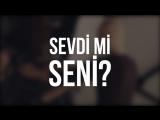 Soner Sarıkabadayı & Ozan Çolakoğlu - Unuttun Mu Beni (Lyrics Video)