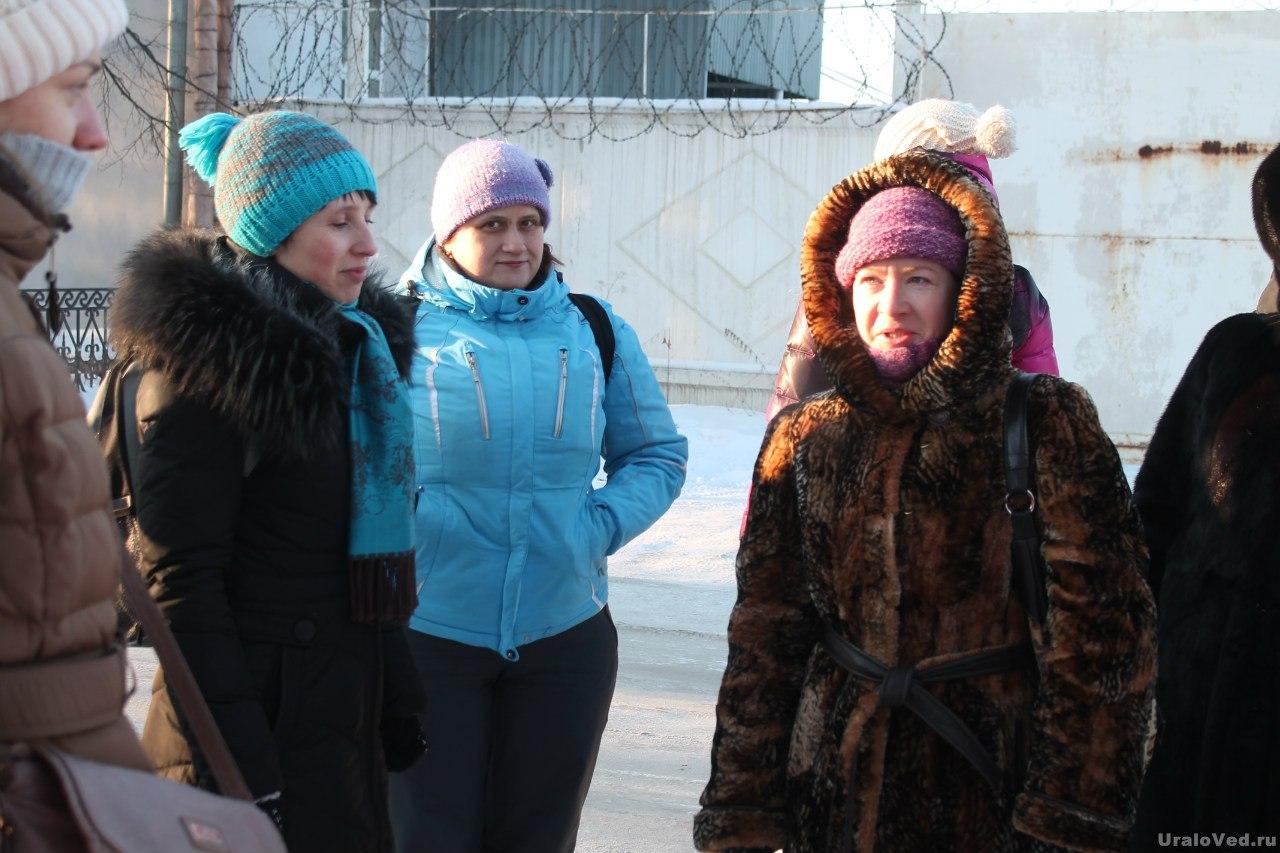 Наталья Березина-Крохалева (слева) и Наталья Наплавкова (справа) ведут экскурсию