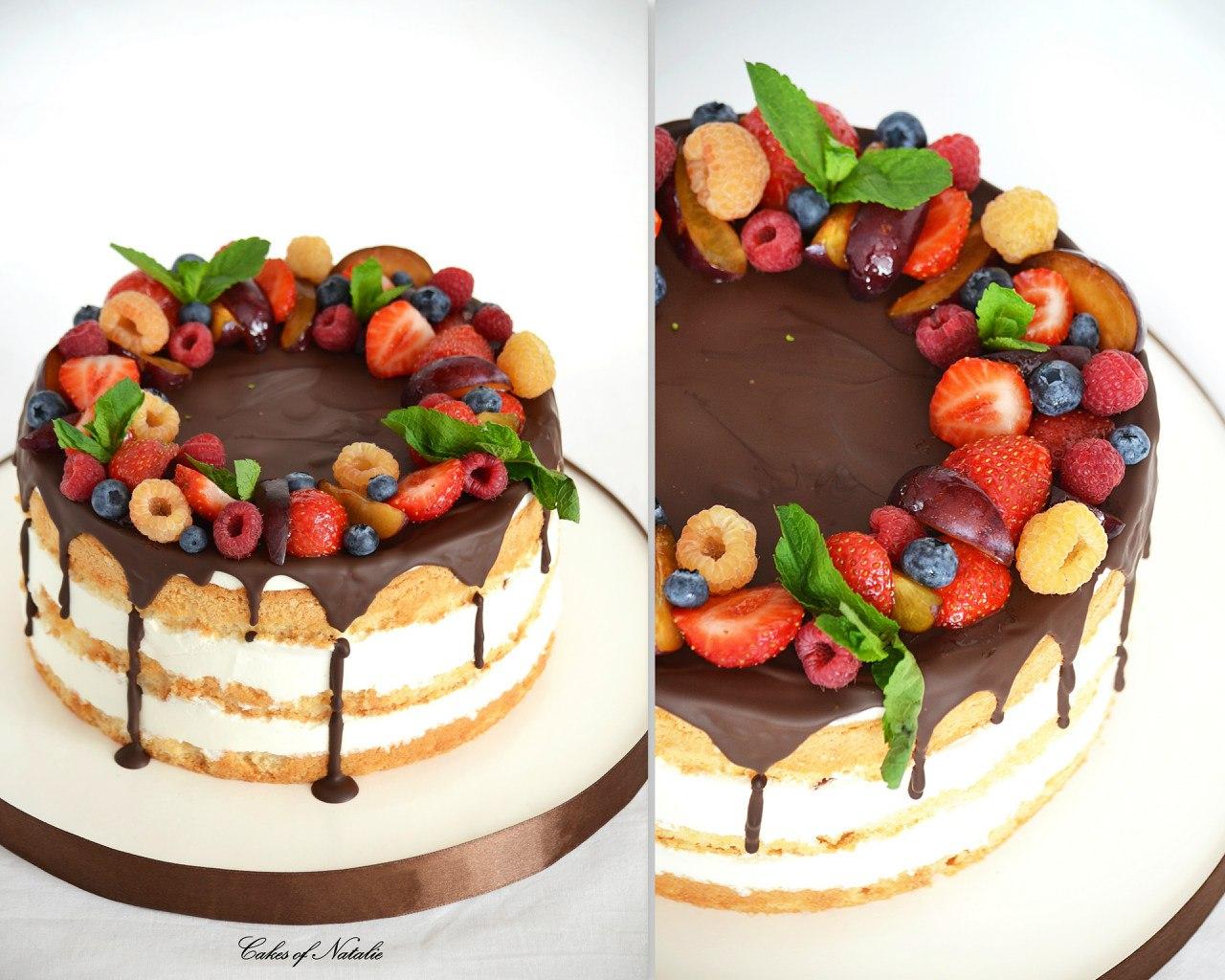 Бисквитный торт с фруктами и шоколадной глазурью рецепт