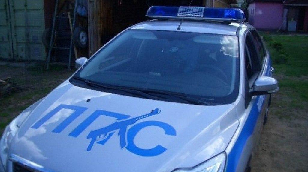 В Таганроге полицейский в шутку выстрелил из автомата Калашникова в своего напарника