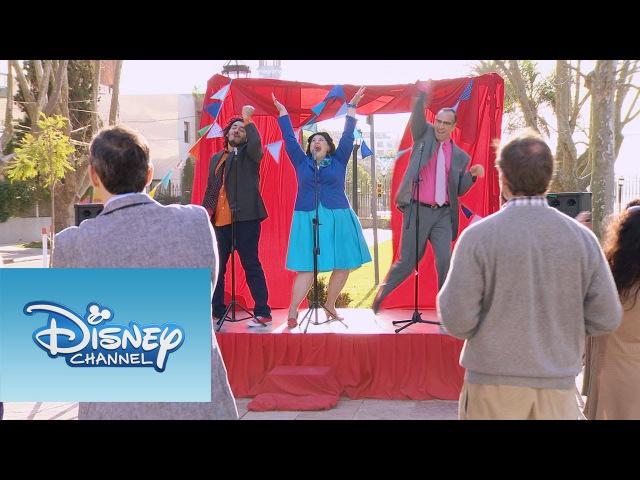 Violetta: Momento Musical: Olga, Ramallo y Beto cantando En gira