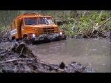 Радиоуправляемые машины Урал и Камаз гоняют по грязи и бездорожью