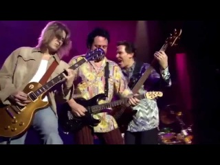 Toto - Live In Amsterdam: Africa / Rosanna / Hold The Line (HD)