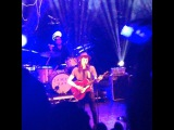 Ally Miles on Instagram #jamesbay #o2 #music #instamusic #thatvoice #beautiful #bestshow #guitarandvocals #badquality #whocares #blue #lights #live #pretty