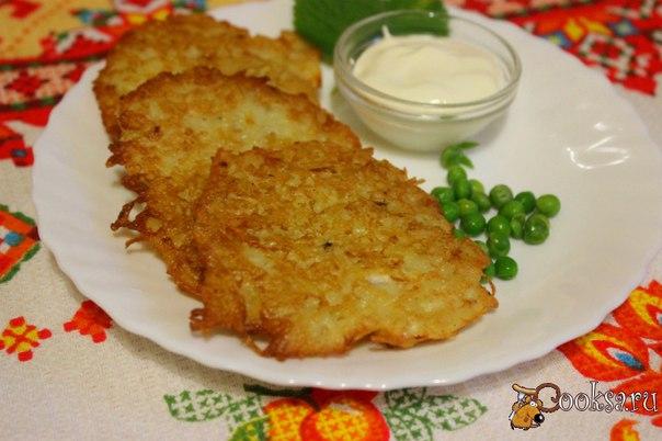 Оладьи из картофеля и репы Оладьи из картофеля и репы - это простое, вкусное домашнее блюдо, которое отлично подойдет как для завтрака, так и для ужина или обеда.Репа довольно редко появляется на наших столах. К сожалению, этот корнеплод совсем незаслуженно стал почти забыт. Добавляя репку в оладьи, получаем новый, очень интересный вкус и делаем блюдо более полезным.