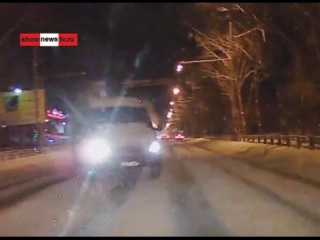 """""""ГАЗель"""" таранит в лоб """"КИА РИО"""". Real video"""