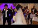 Красивая свадьба. Жених трогательно поет для своей невесты Sh7