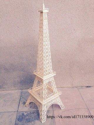 Высота башни 90 см.