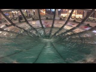 Торговый центр Марина Бэй Сэндз, водоворот
