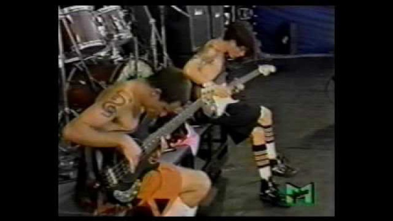 RHCP - John Frusciante and Flea Solo (Pretty Little Ditty) live Pink Pop 1990