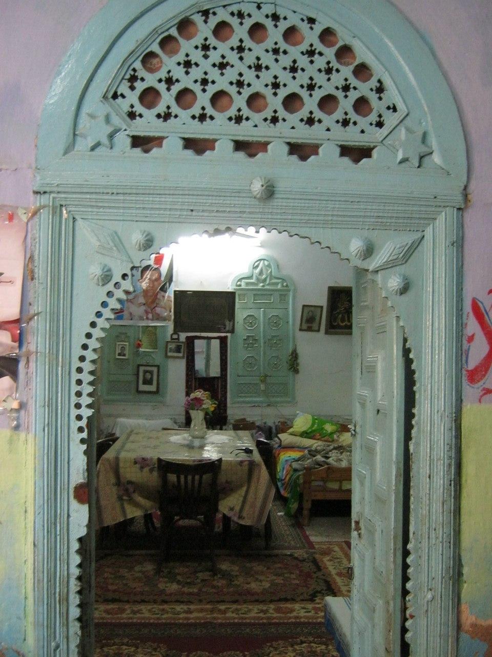 В старинном особняке в Кусир