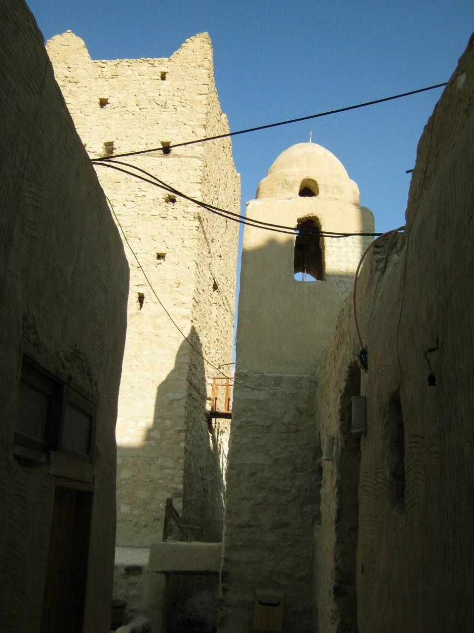 улицы в монастыре святого Павла