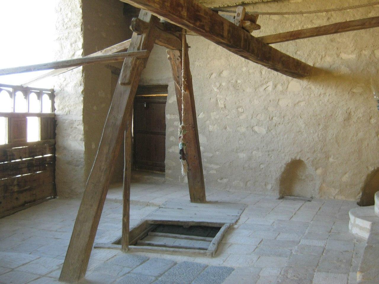лифт в монастыре Святого Антония