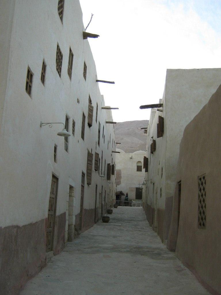 стены монастыря Святого Антония