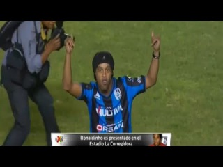 Presentación De Ronaldinho - Queretaro vs Puebla 1-1 Liga MX 2014 - Presentation Of Ronaldinho 2014