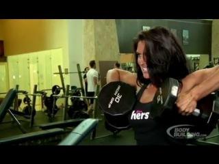 Фитнес бикини - тренировка дельт - Amanda Latona